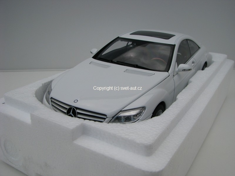 Mercedes CL-Classe coupe white 1:18 Autoart